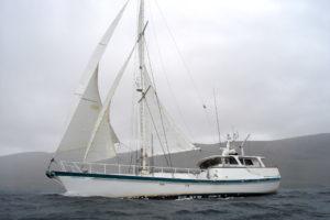 yacht Australis under sail