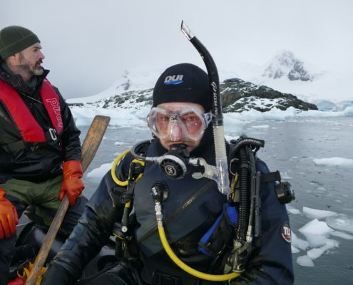 Andy Taylor, Diving antarctica, film, 60 minutes